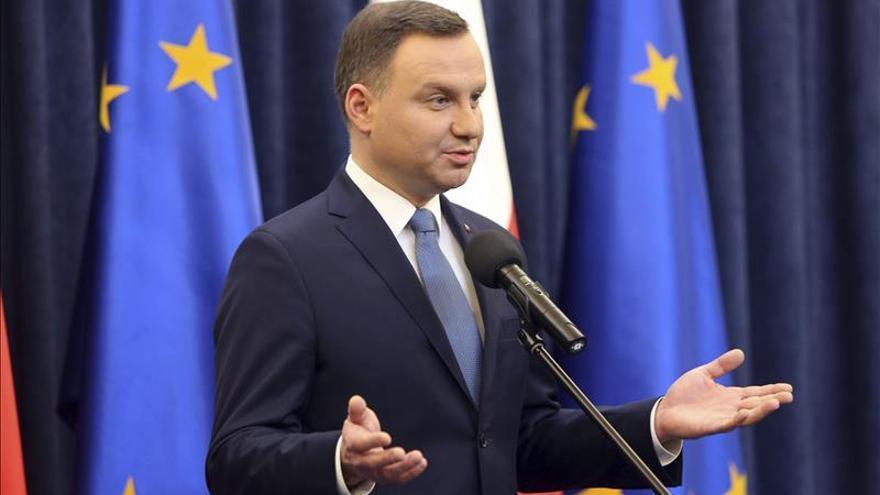 El presidente polaco viajará a Bruselas tras críticas al nuevo Gobierno