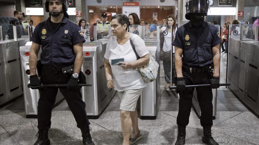 La huelga en el transporte público empieza con 3 detenidos y grandes retenciones