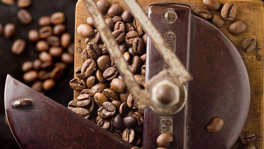 Un paseo por tres siglos de historia a bordo de una taza de café