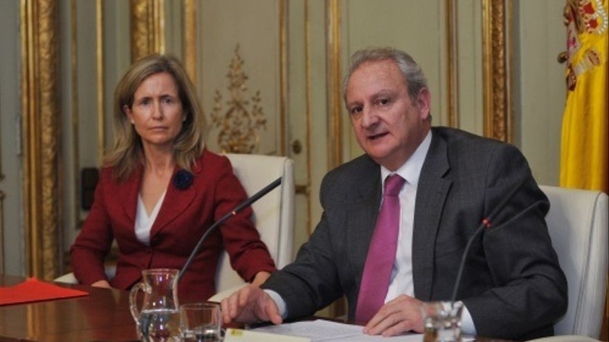 Marta Silva (izq), jefa de Abogados del Estado, y Fernando Román (der), Secretario de Estado de Justicia / Foto: Ministerio de Justicia