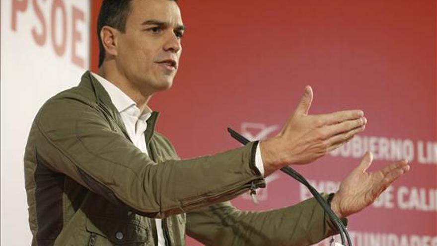El secretario general y candidato a la presidencia del Gobierno del PSOE, Pedro Sánchez, durante su intervención en el acto de presentación del programa electoral con el que los socialistas concurren a las elecciones generales del 20 de diciembre, hoy en Madrid. EFE