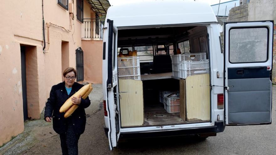 Inmaculada Castellanos, toda la vida haciendo pan, busca ahora quien continúe con su negocio