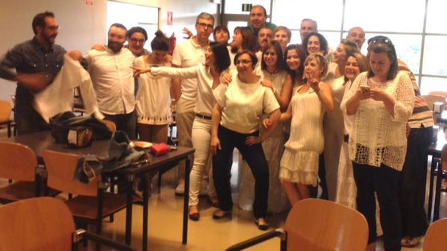 Trabajadores de RTVCM visten de blanco por el resultado electoral / Foto: Twitter