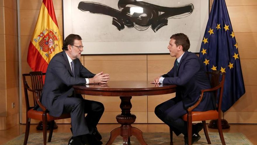 Rajoy y Rivera durante su encuentro para buscar un acuerdo de Gobierno
