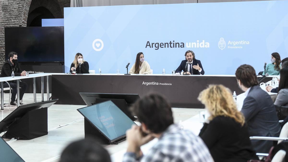 El jefe de Gabinete, Santiago Cafiero, encabezó el lanzamiento del Consejo Multisectorial de la Juventud, junto a la directora ejecutiva del Instituto Nacional de Juventudes (INJUVE), Macarena Sánchez.
