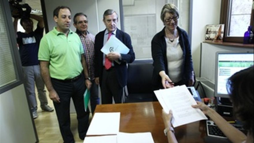 Sindicatos Entregan Queja Ante El Defensor Del Pueblo