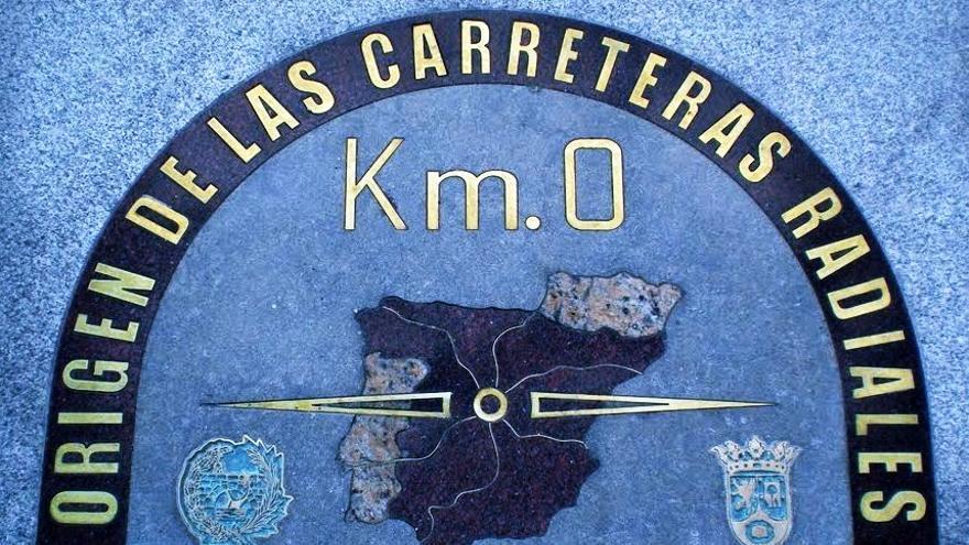 Kilómetro Cero de las carreteras radiales, situado en la Puerta del Sol de Madrid