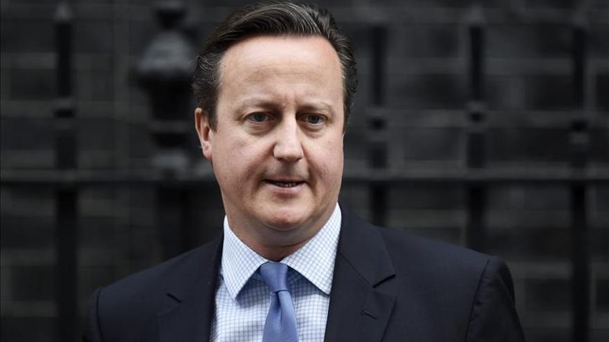 """Cameron cumple 10 años como líder """"tory"""" con los retos del yihadismo y la UE"""