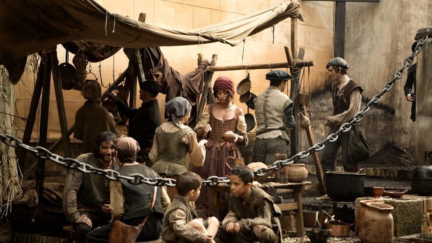 Unas 600 personas han pasado ya por el casting de 'La peste', que busca unos 2.500 figurantes en Sevilla
