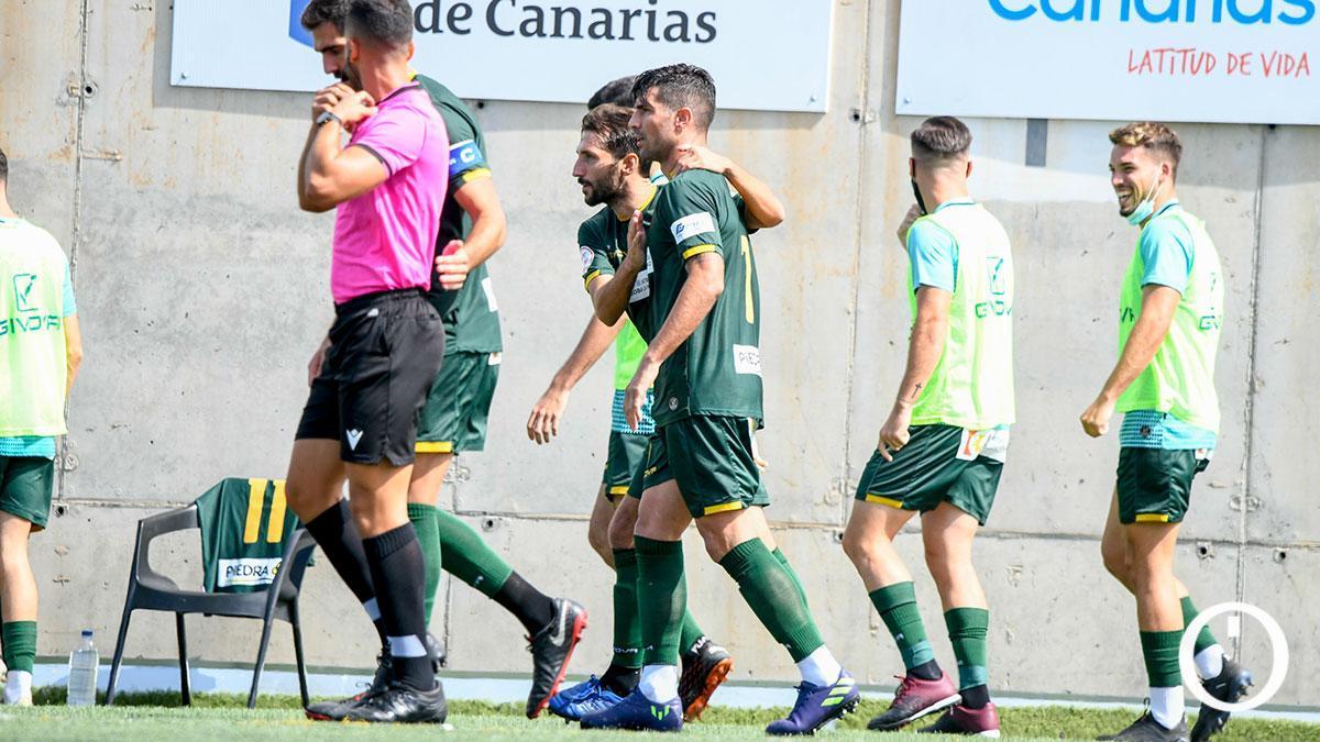 Jugadores del Córdoba celebran un gol