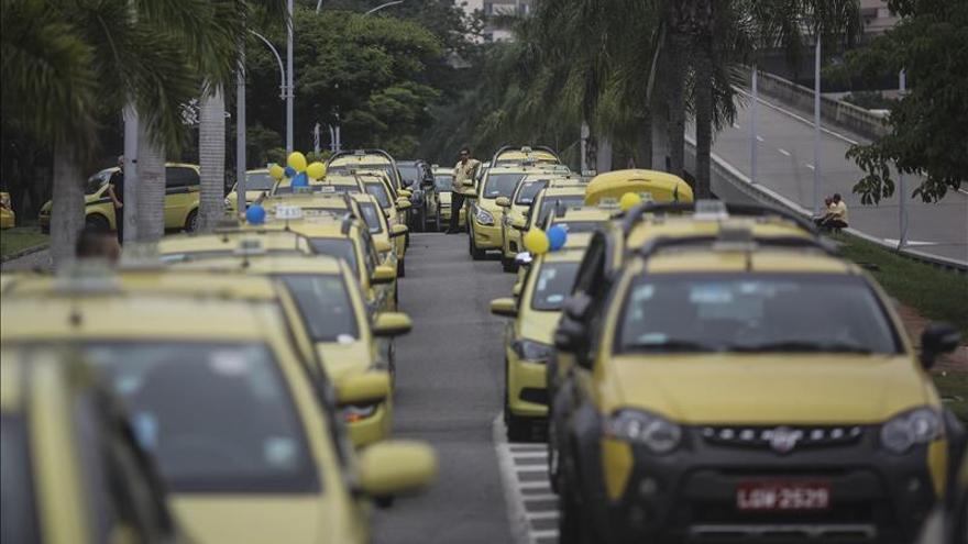 Taxistas protestan en Brasil contra propuesta de consulta pública sobre Uber