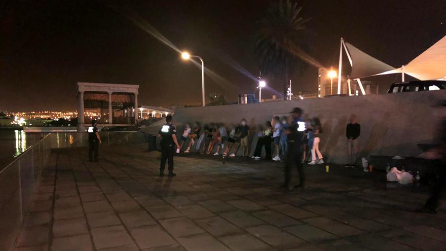 Denunciadas 55 personas durante la pasada noche en Las Palmas de Gran Canaria por no llevar mascarilla