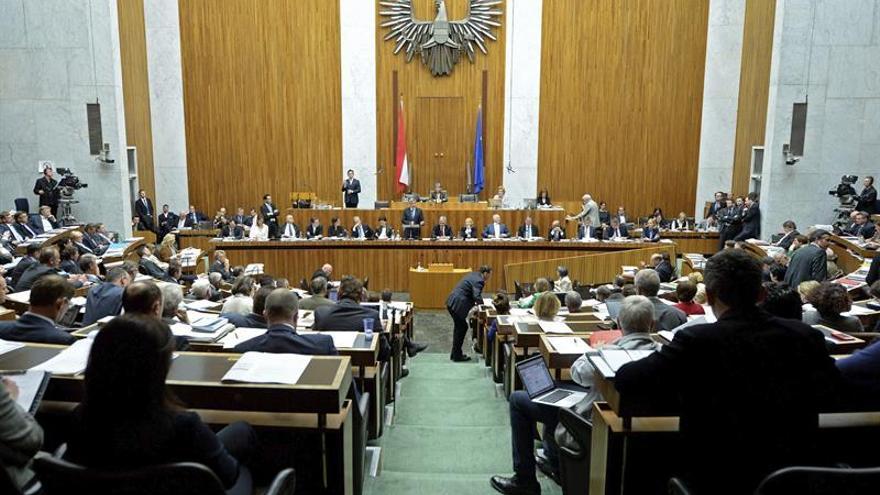 El Parlamento de Austria fija el 15 de octubre para las elecciones generales anticipadas