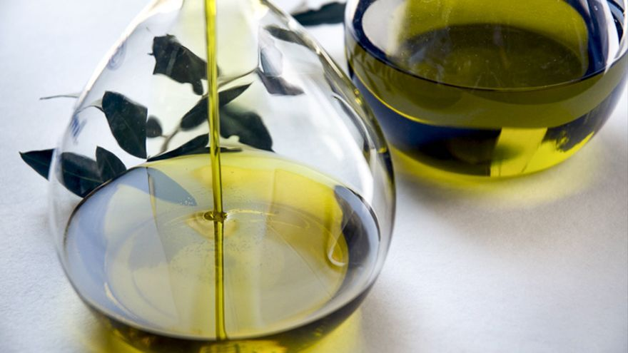 El consumo moderado de aceite de oliva virgen extra, nuestra mejor medicina