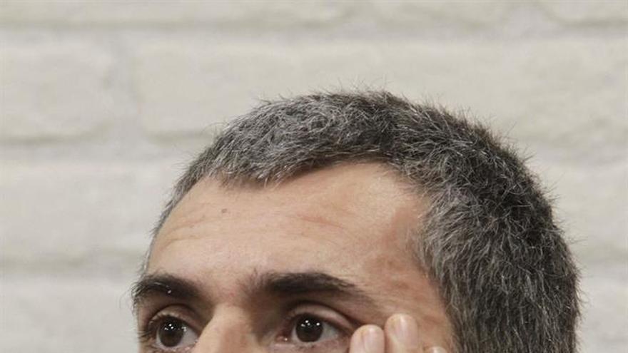 "Iván Ferreiro compone un tema para el disco de Raphael ""Infinitos bailes"""