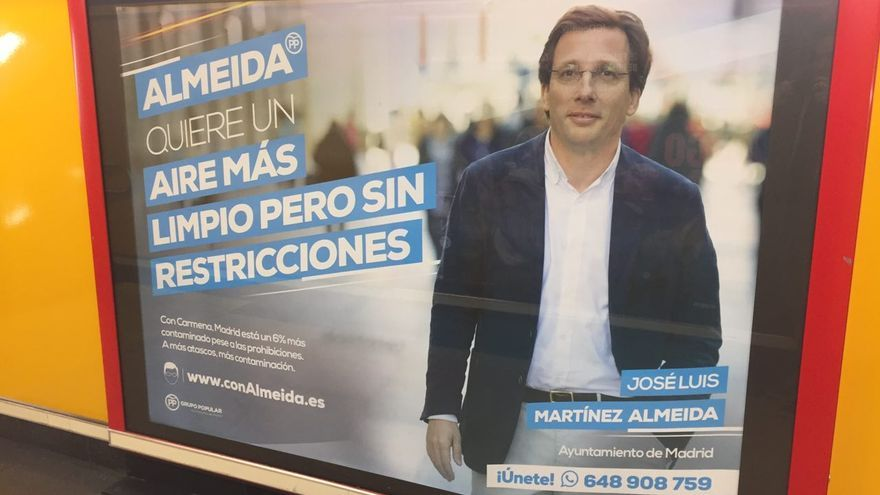 Cartel electoral de José Luis Martínez-Almeida en el Metro de Madrid.