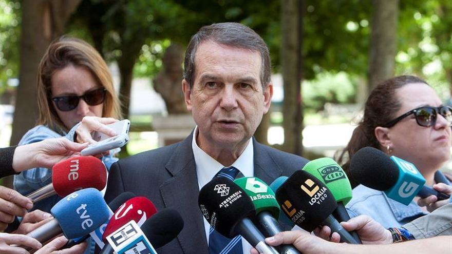 Caballero dice que el papel de los alcaldes no es colaborar con el referéndum
