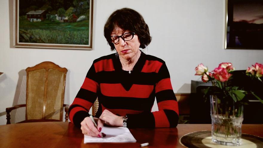 Hasta hace poco en Noruega las personas transgénero como John Jeanette Solstad debían pasar por un diagnóstico psiquiátrico y tratamiento médico para poder obtener el reconocimiento legal de identidad de género