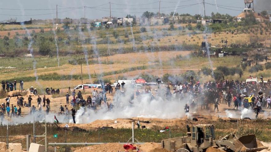 """La ONU condena a Israel """"por uso de munición real"""" contra las protestas en Gaza"""
