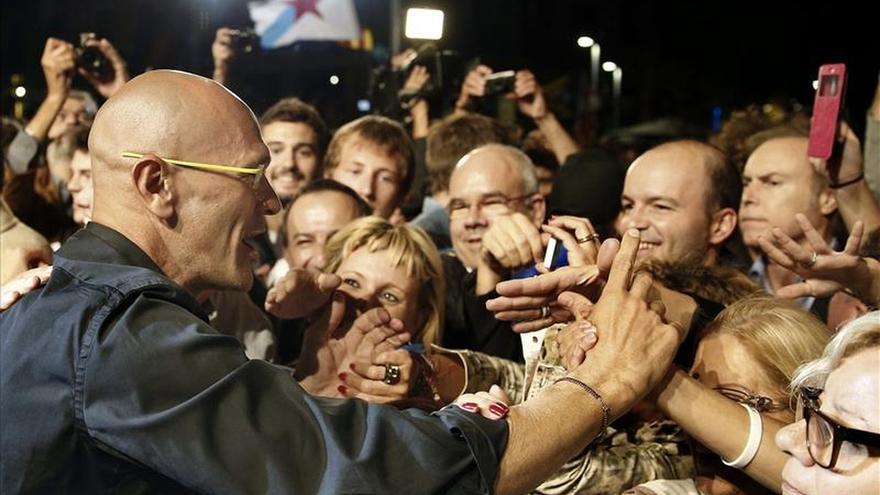 Romeva: Tenemos un mandato democrático y no hay alternativa, el dique se ha roto