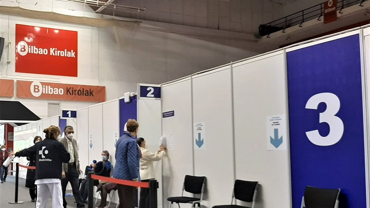 Vacunódromo de La Casilla en Bilbao