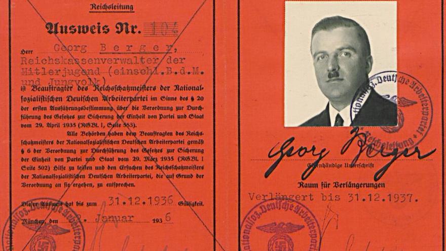 Carné del partido nazi de Georg Berger, padre de Roland Berger.
