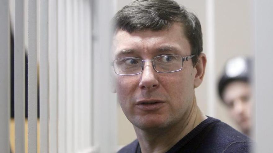 La mujer de exministro ucraniano Yuri Lutsenko denuncia paliza de antidisturbios