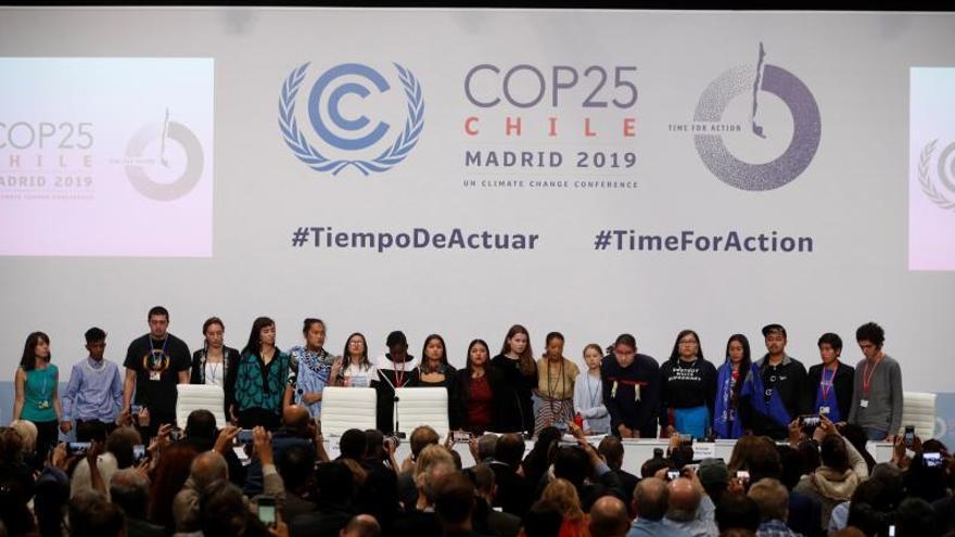 Los bancos españoles acuerda reducir la huella de carbono en sus balances