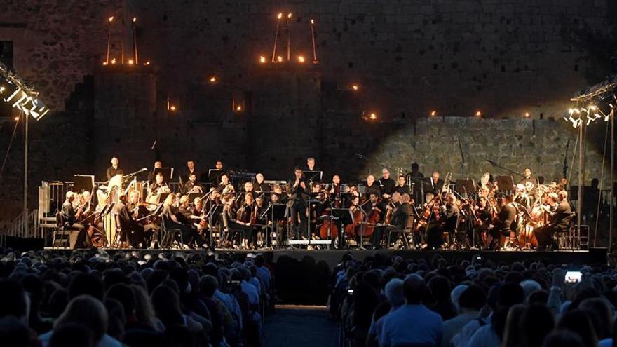 Grandes oberturas brillan a la luz de miles de velas en Pedraza (Segovia)