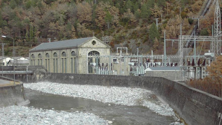 Central Hidroeléctrica de Lafortunada.