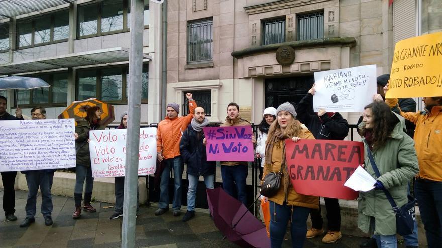 Bajo la lluvia se manifestaron por el voto rogado en Dusseldorf