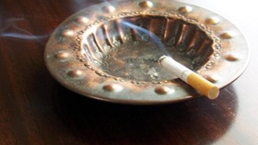 Se acabó fumar en ningún espacio público cerrado
