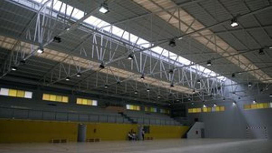 El pavimento de las canchas del polideportivo también ha sido renovado. (ACFI PRESS)