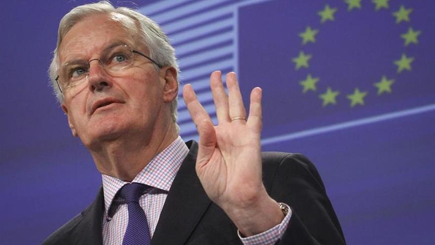 """Comisión Europea dice que la negociación del """"brexit"""" durará máximo 18 meses"""