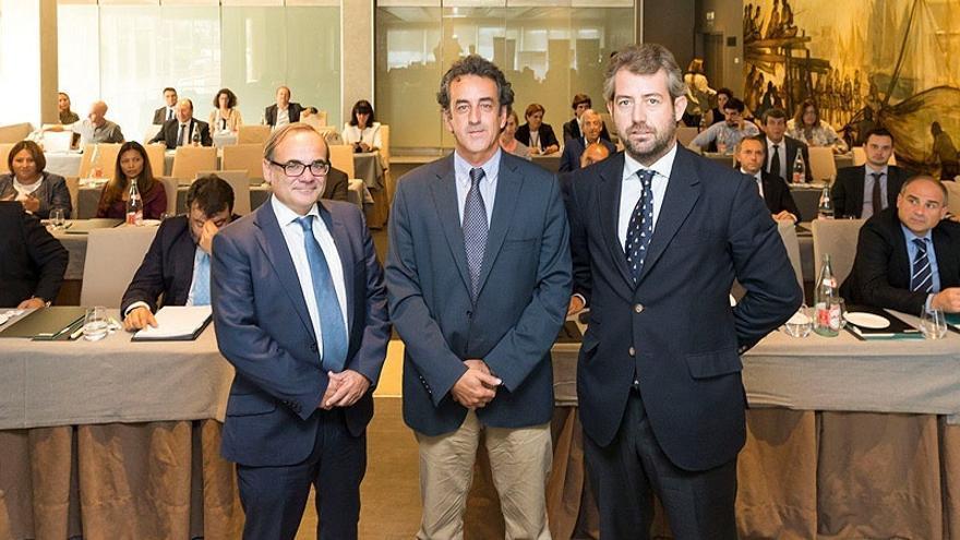 """Martín cree que la apuesta por la calidad permitirá a las pymes """"marcar el futuro económico de Cantabria"""""""