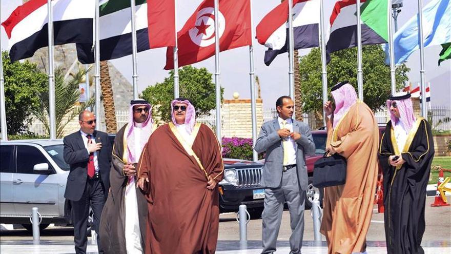 La cumbre árabe, centrada en crear una fuerza militar conjunta y en la crisis yemení