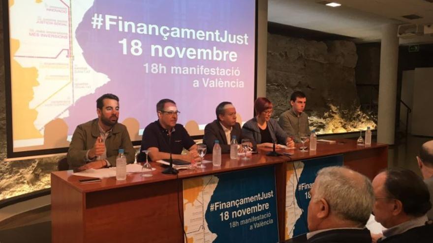 Representantes de PSPV, UGT, CCOO, Compromís y Podemos presentan la campaña por una financiación justa