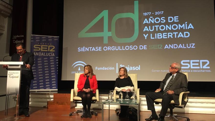 Susana Díaz con Rafael Escuredo.