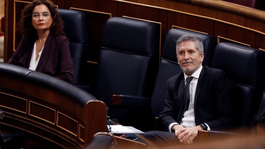"Marlaska acusa a PP, VOX y Cs de usar a un general de la GC para llegar al ministro del Interior: ""me ha dolido"""