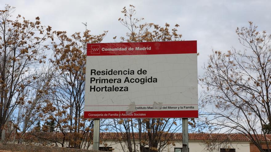 Cartel del Centro de Primera Acogida de Hortaleza, donde se ha producido el incidente. / EP