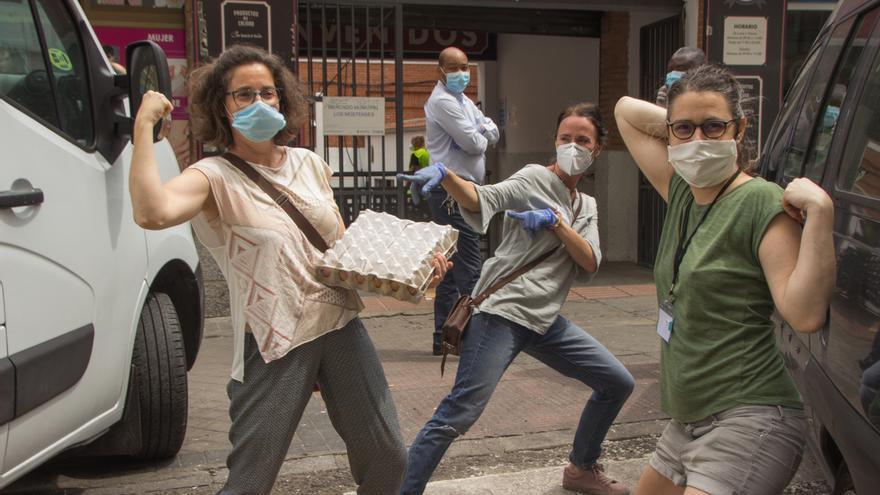 Voluntarias del banco de alimentos de Malasaña | Imagen: PABLO MARTÍN