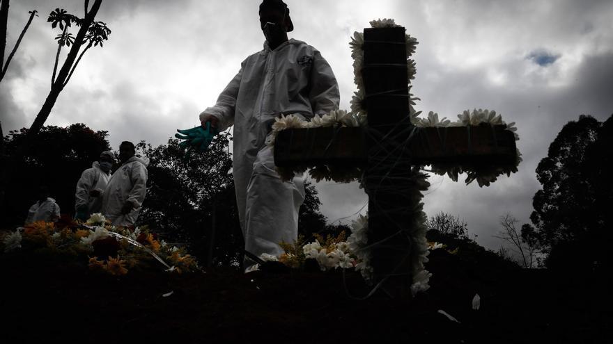 Brasil registra 963 muertes y 40.904 casos de covid-19 en 24 horas