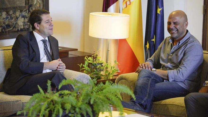 Page y García Molina se reúnen tras la ruptura del acuerdo de investidura