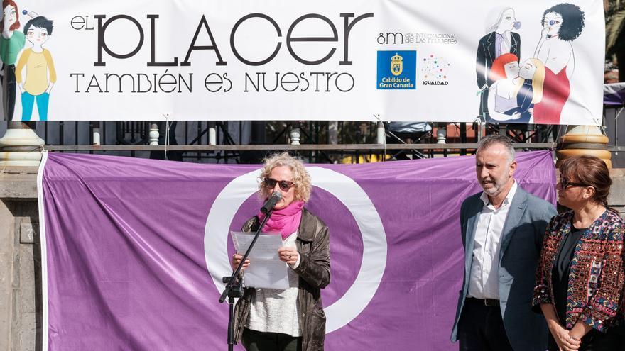 La consejera María Nebot y el vicepresidente primero del Cabildo, Ángel Víctor Torres en la presentación de la II Feria de la Igualdad en San Telmo
