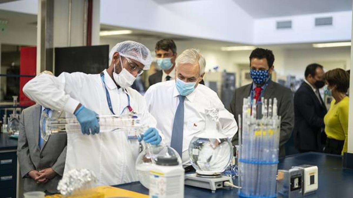 El Instituto de Salud Pública de Chile (ISP) aprobó la vacuna chino canadiense CanSino-Saval.