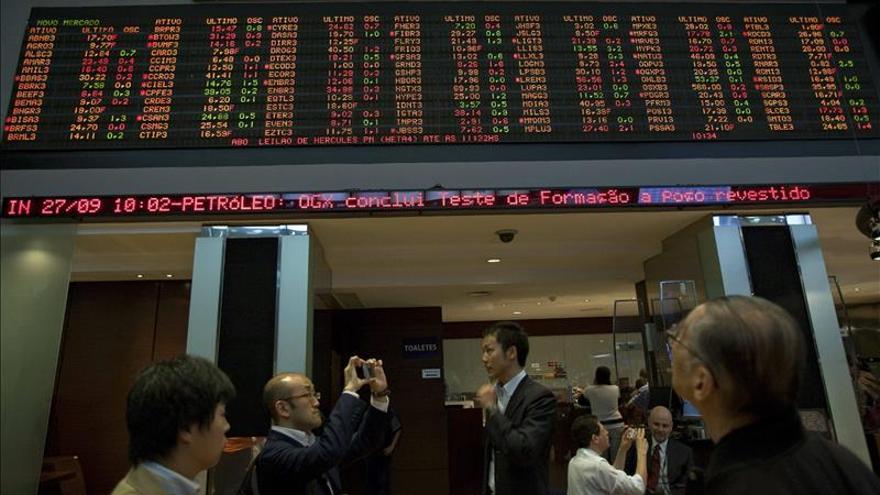 Indecisión en bolsas de América Latina ante signos dispares en Wall Street y Europa