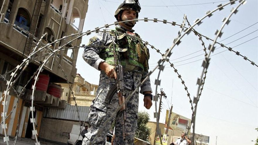 Mueren diez policías iraquíes y 20 presos en un motín en una comisaría en Diyala