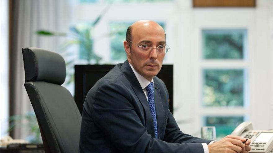 El delegado en Euskadi denuncia el recibimiento a dos etarras liberados ayer