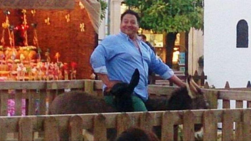 El alcalde de Lucena pide cautela mientras se investiga la muerte del burro de un belén