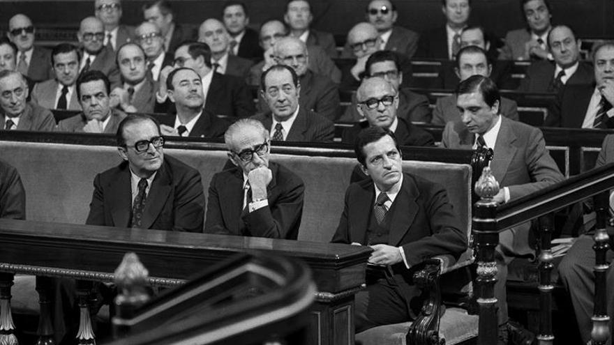 Pactos de la Moncloa: La política económica nacida del diálogo entre partidos
